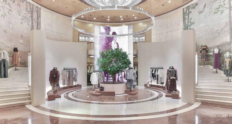 Zara rinnova il suo flagship e apre un pop up store